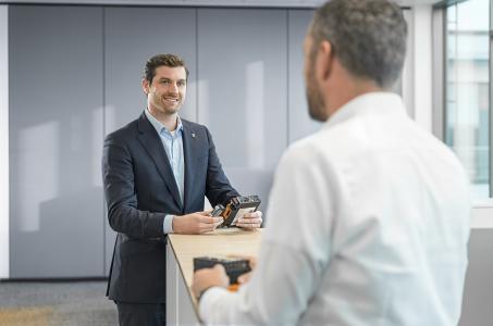 Der neue Geschäftsführer von Weidmüller Deutschland, Dr. Christian von Toll setzt auf den Dialog mit seinen Kunden