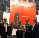 Goldpartner Auszeichnung von PCS an tisoware. v.l.n.r.: Eberhard Goldammer, Sabine Dörr, Claus Harrer, Rainer Füess, Matthias Kleemeier (nicht auf dem Foto: Jörg Hagedorn)