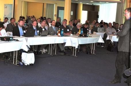 Ulrich Knocke eröffnet das Partner Meeting in Berlin