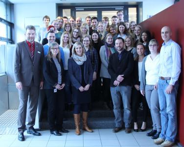 Exkursion kurz vor Weihnachten: Die Fachhochschule für öffentliche Verwaltung NRW Standort Bielefeld informierte sich im krz über E-Government in der Praxis. (Foto krz)