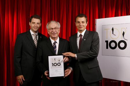 Vorstandsmitglieder Oliver Schmitz und David Worthmann mit Mentor Lothar Späth