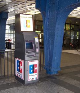 Cardpoint verfügt in Deutschland über ein breites Netz von Geldautomaten an stark frequentierten Standorten wie Tankstellen, Supermärkten oder Bahnhöfen 1