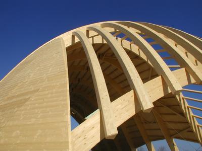 Imprägniergrund Plus dringt tief ins Holz ein, trocknet schnell und ist klebefrei / Bildquelle: Remmers Baustofftechnik, Löningen