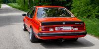 """Ein weiterer Vorteil ist, dass die typische Tendenz zum Übersteuern des legendären BMW Sechsers durch das """"Raab Gewindefahrwerk Variante 3 made by KW"""" sehr viel später einsetzt und sich das viersitzige Coupé auch auf schlecht ausgebauten Nebenstraßen harmonischer fährt."""