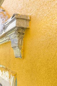 """""""Die Histolith-Farbtöne basieren auf der Farbigkeit von überlieferten Pigmenten, Naturbaustoffen und farbigen Erden"""", weiß Mario Kartsch aus dem Geschäftsbereich Alsecco. Foto: Caparol Farben Lacke Bautenschutz/blitzwerk.de"""