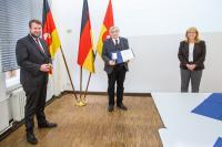 Helge Zychlinski, Bürgermeister der Gemeinde Wedemark, Dr. Hans Georg Bulla, stellvertretende Regionspräsidentin Petra Rudszuck  (von links), Foto: Region Hannover /Schiermann