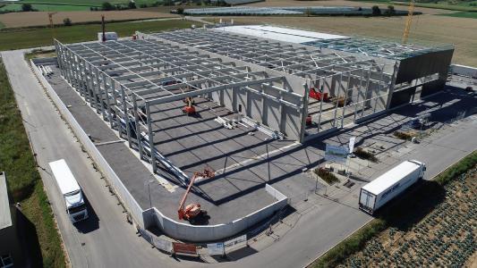 Die Wolpert Gruppe investiert 33 Millionen Euro in den Standort Bretzfeld. Auf dem 27.000 Quadratmeter großen Grundstück entstehen hochmoderne Arbeitsplätze in Produktion und Verwaltung