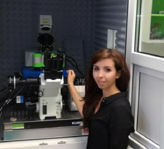 Veronika Hornakova of the Skládal Research Group with the JPK NanoWizard® 3 AFM system and ForceRobot® head