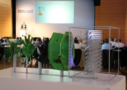 Die Kältetechnik war einer der Schwerpunkte des ebm-papst Innovationsforums, der AxiCool für Verdampfer war in Mulfingen ausgestellt.