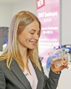 Get mineralized! Bei den Deutschen Kaffeemeisterschaften können die Besucher das perfekt mineralisierte Wasser von BWT water+more entdecken.  /Foto: BWT water+more