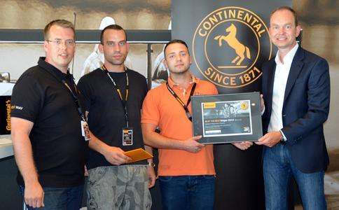 Dr. Marko Multhaupt, Continental übergibt den Preis an Martin Degenhardt und Mario Oehme, Spedition Degenhart, Timo Röbbel, Continental (von rechts nach links:)