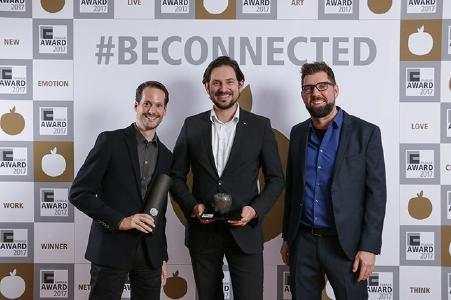 Happy about the bronze FAMAB apple: Dart Managing Director Guido Mamczur as well as Thomas Abend and André Flinterhoff from Schüco (f.r.t.l.) / Copyright: vividot