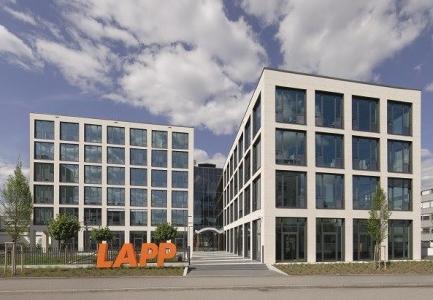 Bild 2: Am Firmenhauptsitz in Stuttgart-Vaihingen hat die Lapp Gruppe ein Gebäude errichtet, das mit seinem Bürokonzept Maßstäbe setzt