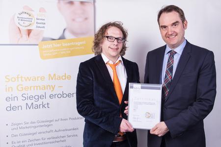 v.l.: Daniel Terwersche, Geschäftsführer der ProAPE GmbH mit Dr. BITMi-Präsidenten Dr. Oliver Grün bei der Übergabe des BITMi-Gütesiegels