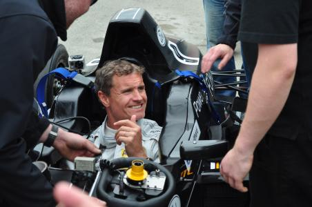 Der ehemalige Formel-1-Pilot David Coulthard hält auf der MHLC Europe eine Keynote (Foto: Dematic)