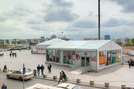 Neben unterschiedlichen Zelten auf den JugendPolitikTagen 2017 wurde von Losberger auch das Jugendmedienzentrum errichtet.