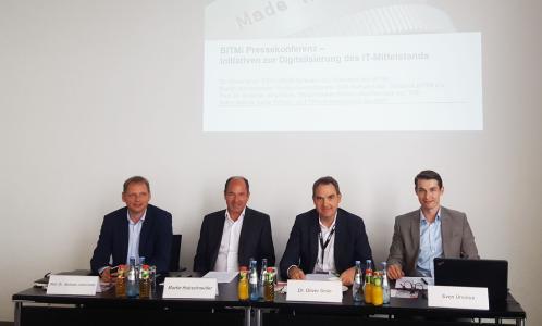 BITMi Vorstand auf der CEBIT Pressekonferenz / BITMi präsentiert seine Schwerpunkte Bildung und Business auf der CEBIT, v.l.n.r. Prof. Dr. Andreas Johannsen, TH Brandenburg, Martin Hubschneider, BITMi Vizepräsident, Dr. Oliver Grün, BITMi Präsident, Sven Ursinus, BITMi Hauptstadtbüroleiter