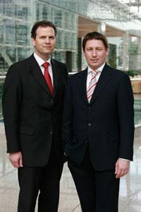 Die Gastgeber der 19. Vision-Days, Martin Hofer (links) und Günter F. Baumann (rechts), beide Vorstände der Wassermann AG