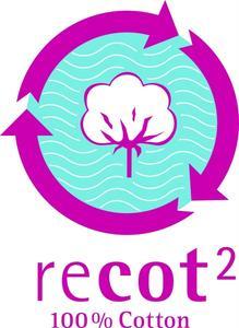 """In Zusammenarbeit mit der Universität Ulm entstand das innovative Produktkonzept """"recot²®"""". Entwickelt wurde ein neues Fasergemisch aus 50 Prozent Rohbaumwolle und 50 Prozent recycelten selektierten Produktionsabfällen, wodurch Wasser eingespart und der Einsatz von Pestiziden deutlich reduziert wird / ©Gebrüder Otto GmbH & Co. KG"""