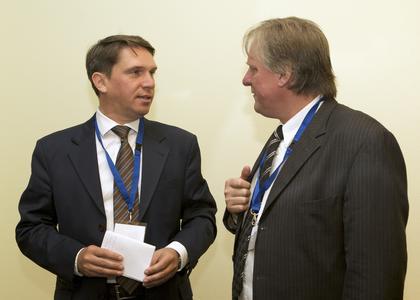 GF D. Henniges im Gespräch mit Geschäftsführer Klaus Kuttig (Kuttig)