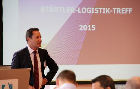 Michael Reichle, Geschäftsführer der Dr. Städtler Transport Consulting GmbH & Co. KG, bei der Eröffnung des Städtler-Logistik-Treffs / Foto: Städtler-Logistik