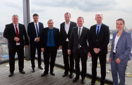 From left: Wolfgang Stöver (BLG), Stefan Nousch (BLG), Sönke Steffen (LOGWIN), Dr. Ulrich Wieland (BMW), Michael Blach (BLG), Peter Hörndlein (BMW) and Sandra Reichenauer (BMW)