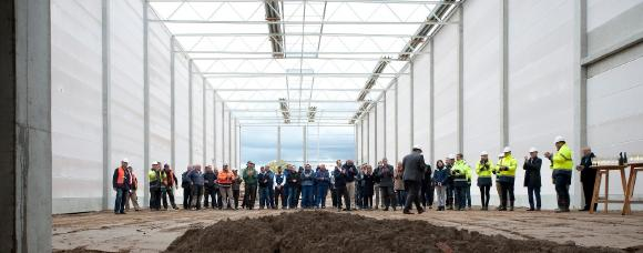 SLM Solutions celebrates topping out of new company headquarters in Lübeck