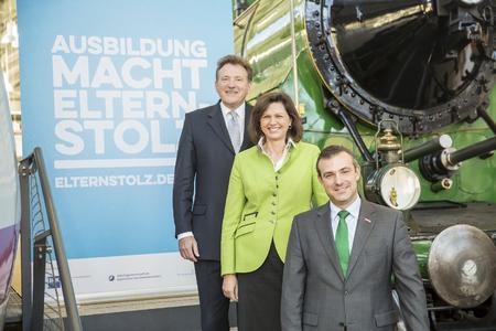 Dr. Eberhard Sasse, Ilse Aigner und Georg Schlagbauer (v.li.n.re.) bei der Vorstellung der Kampagne im Verkehrszentrum des Deutschen Museums / Foto: Schuhmann