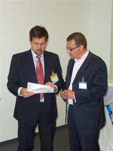 v.l.n.r.: Walter Trezek, Aufsichtsrat Nutzergenossenschaft und Andreas Schumann, Vorstand internetPost AG