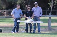 Von links nach rechts: Ian Sunderland, technischer Vertriebsberater; David Duval, UAV-Pilot für Microdrones; Gareth Piercey, technischer Kundendienstberater und Haupt-UAV-Pilot.