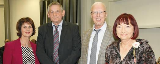 (v.l.n.r.) Wissenschaftsministerin Vera Reiß, Institutsleiter Prof. Dr. Dieter Prätzel-Wolters, Prof. Dr. Matthias Jarke, Fraunhofer IuK, Verwaltungsleiterin Dr. Marion Schulz-Reese
