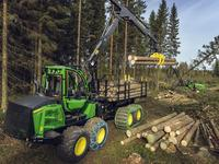 John Deere launches redesigned cabin, CH9-Harvester boom and other reliability and productivity-enhancing features