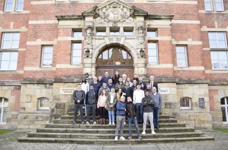 Französische und HSB-Studierende sowie Vertreter beider Einrichtungen