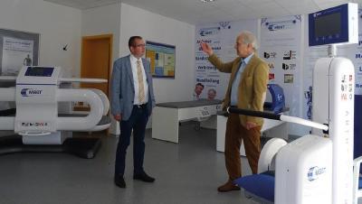 CDU Landtagsabgeordneter Frank Steinraths besucht in Wetzlar die Firma MedTec Medizintechnik GmbH