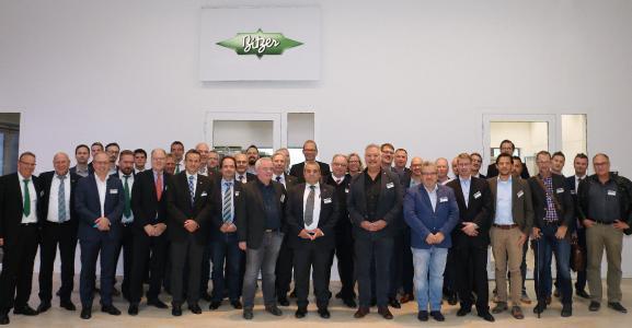"""Die Kälte- und Klimaexperten auf dem Kongress """"Quo vadis Kälte- und Klimatechnik"""" im Oktober 2017 in der SCHAUFLER Academy in Rottenburg (Foto: BITZER)"""