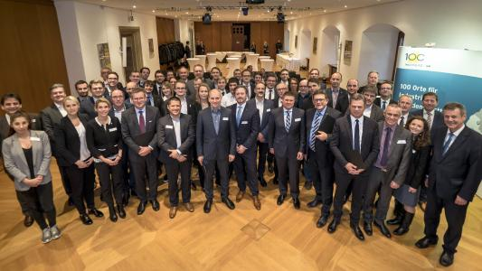 """28 Unternehmen wurden als """"Ort für Industrie 4.0"""" ausgezeichnet / © Martin Storz"""