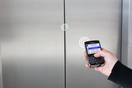Use BlueID Rail Module to control doors, machines, safety ports and automatic units via mobile phone