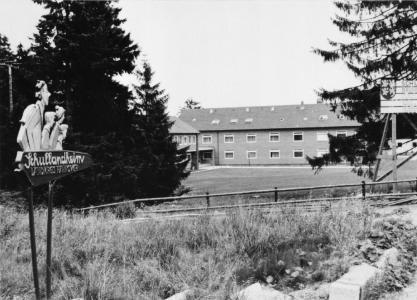 Das Schullandheim Torfhaus kurz nach seiner Erbauung im Jahr 1967 – erstes Schullandheim des ehemaligen Landkreises Hannover