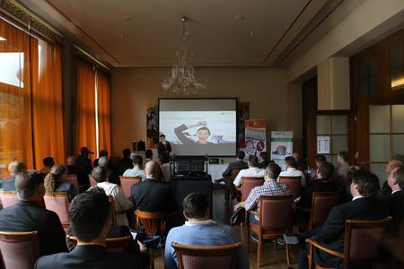 Am ersten Veranstaltungstag stand für die Partner ein umfangreiches Workshop-Angebot mit über 30 Vorträgen auf dem Programm