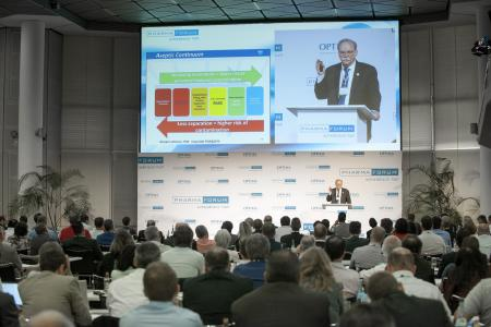 More than 200 guests from 25 different nations met at the Pharma Forum 2016. Richard Johnson, President & CEO, Parenteral Drug Association® (PDA, USA) was one of the most popular speakers (on the podium).