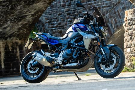 BMW F 900 R equipped with the latest components from Wunderlich