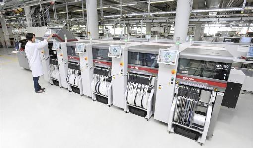 ASM Assembly Systems: Weltmarktführer von SIPLACEBestückautomaten und DEK Druckerlösungen