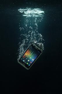 Handheld-Nautiz-X1-ultra-rugged-smartphone-waterproof.jpg