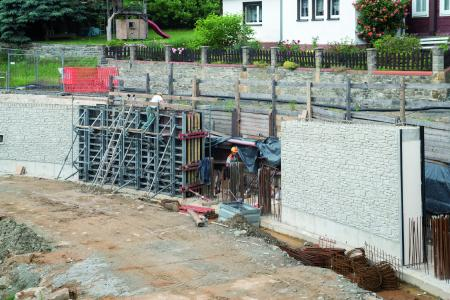 NOE is the only manufacturer that can make and supply both textured formliners and formwork. Delivered to site, ready for immediate use, including the formwork reuse plan and concreting schedule