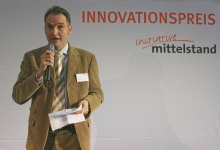 Dr. Oliver Grün, VDEB-Vorstand und Vorstand der Grün Software AG, bei seiner Keynote zur Verleihung des INNOVATIONSPREISES 2008
