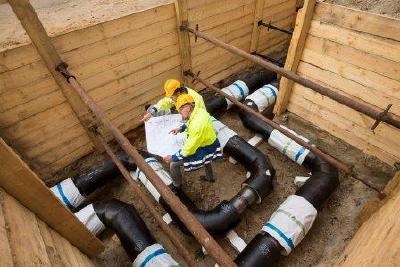 Modernisierungsarbeiten an einer Fernwärmeleitung