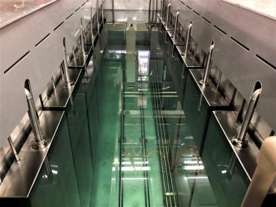 Jedes Becken der Reinigung ist mit zwölf Tauchschwingern mit 25 kHz ausgestattet / Bildquelle: Weber Ultrasonics