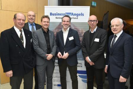 Der BANS- Vorstand (von links: Volker Knist, Peter Badt, Dr. Mathias Hafner, Olaf Novak)  mit IHK-Präsident Dr. Hanno Dornseifer und Staatssekretär Jürgen Barke