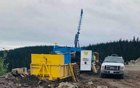 Bohrung auf dem Goldprojekt Dome Mountain; Foto: Blue Lagoon Resources