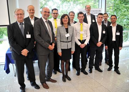 """IHK – Businessplanwettbewerb der Großregion:  Erfolg für saarländische Gründerteams"""" erhalten Sie anbei ein Foto mit den Preisträgern"""